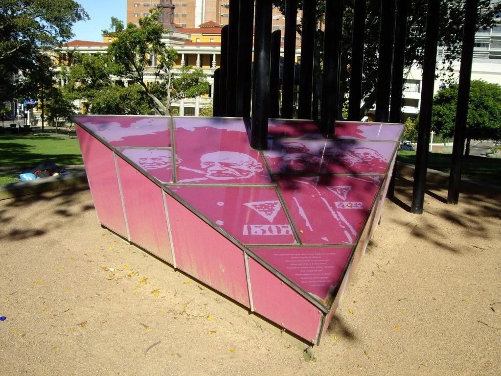 de roze driehoek: van nazisymbool naar symbool van trots